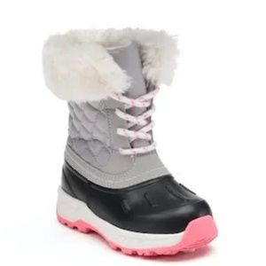 Carter's Vermont 2 Water Resistant Winter Boots.